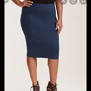 Torrid Ponte Pencil Skirt (1X) NEW WITH TAGS